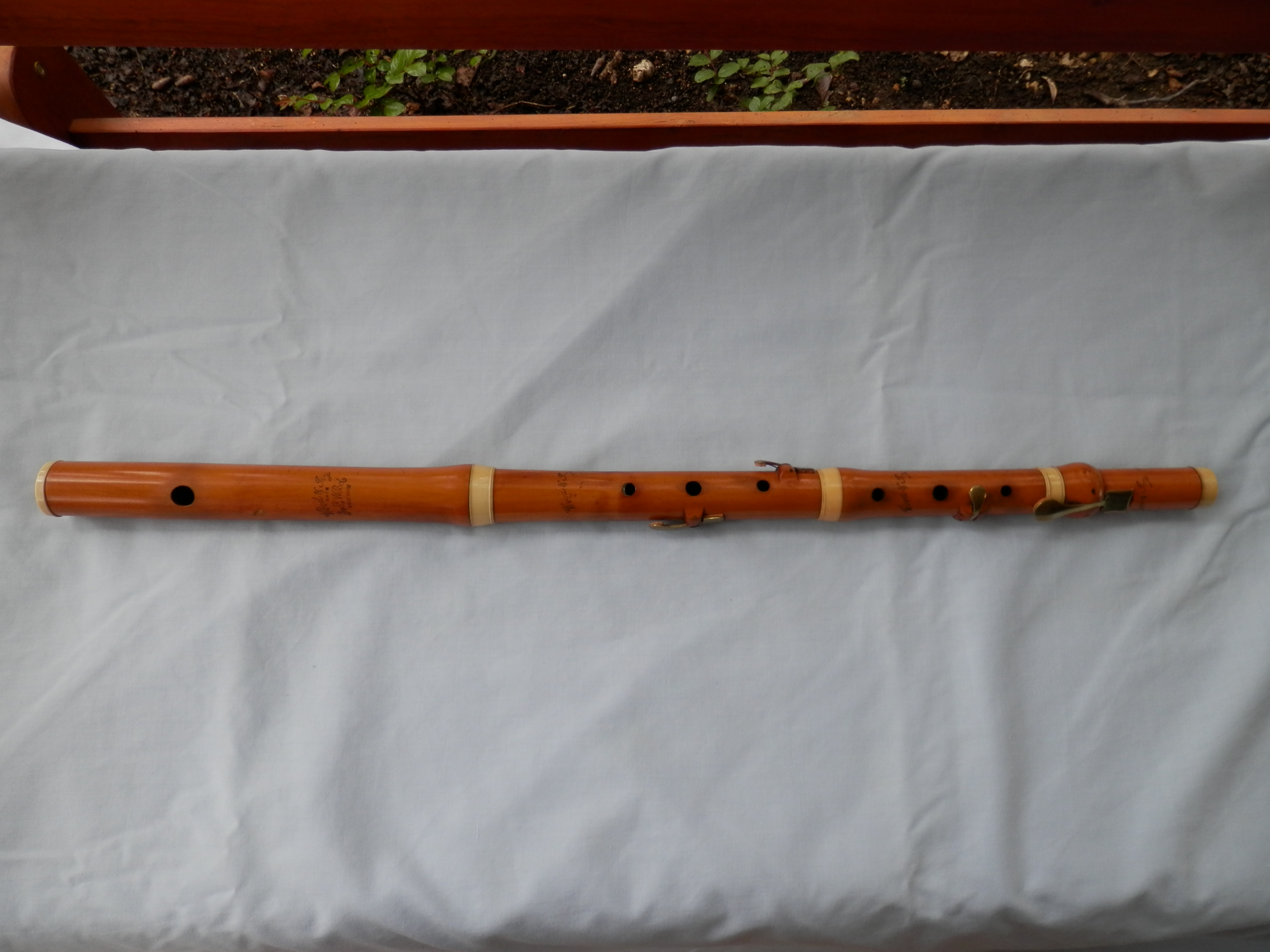 Giles LeHart 6-key blackwood D Irish flute
